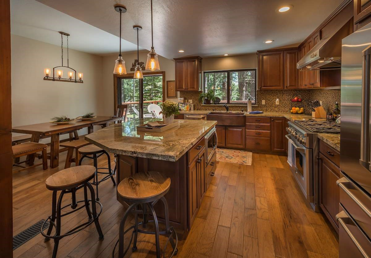 Additional photo for property listing at 1338 Indian Hills 1338 Indian Hills Truckee, California 96161 Estados Unidos