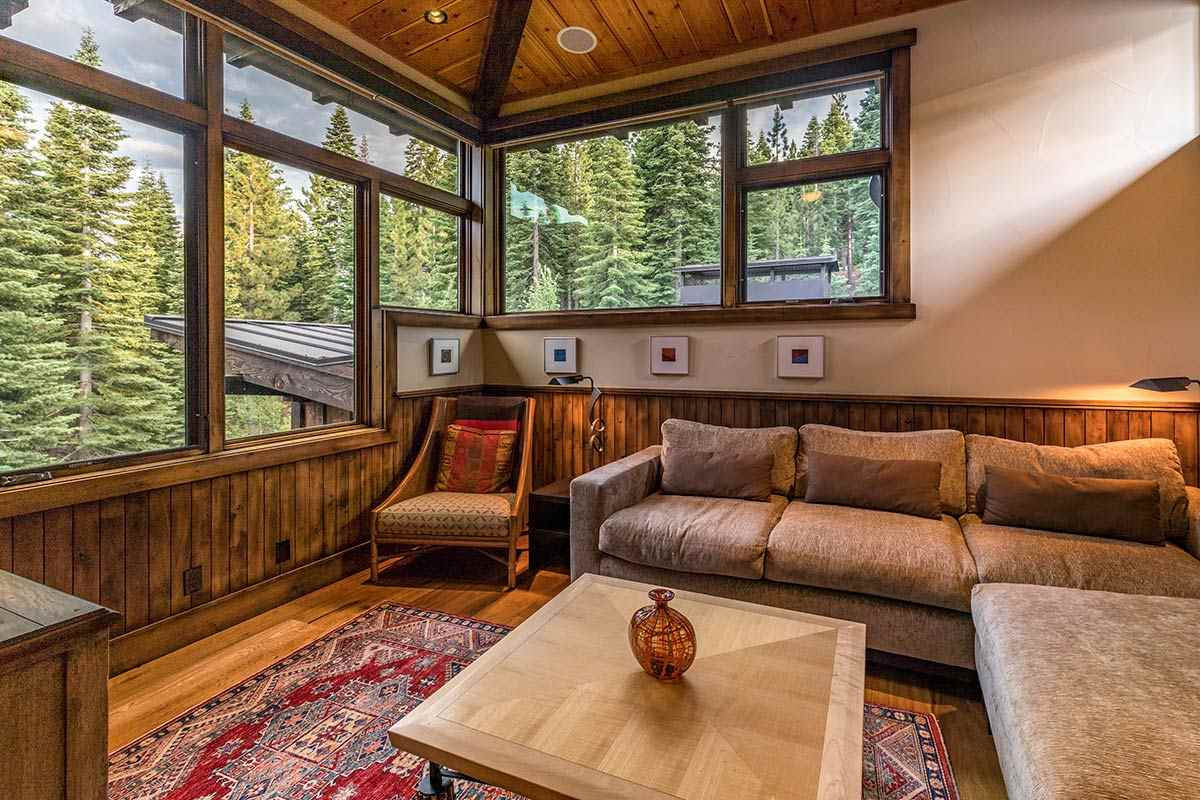 Additional photo for property listing at 10915 Camp Muir Court 10915 Camp Muir Court Truckee, California 96161 United States