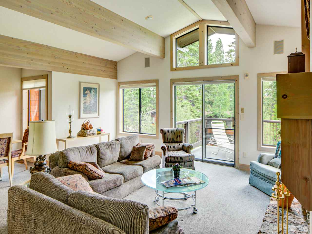 Additional photo for property listing at 1877 North Lake Boulevard 1877 North Lake Boulevard Tahoe City, California 96145 United States