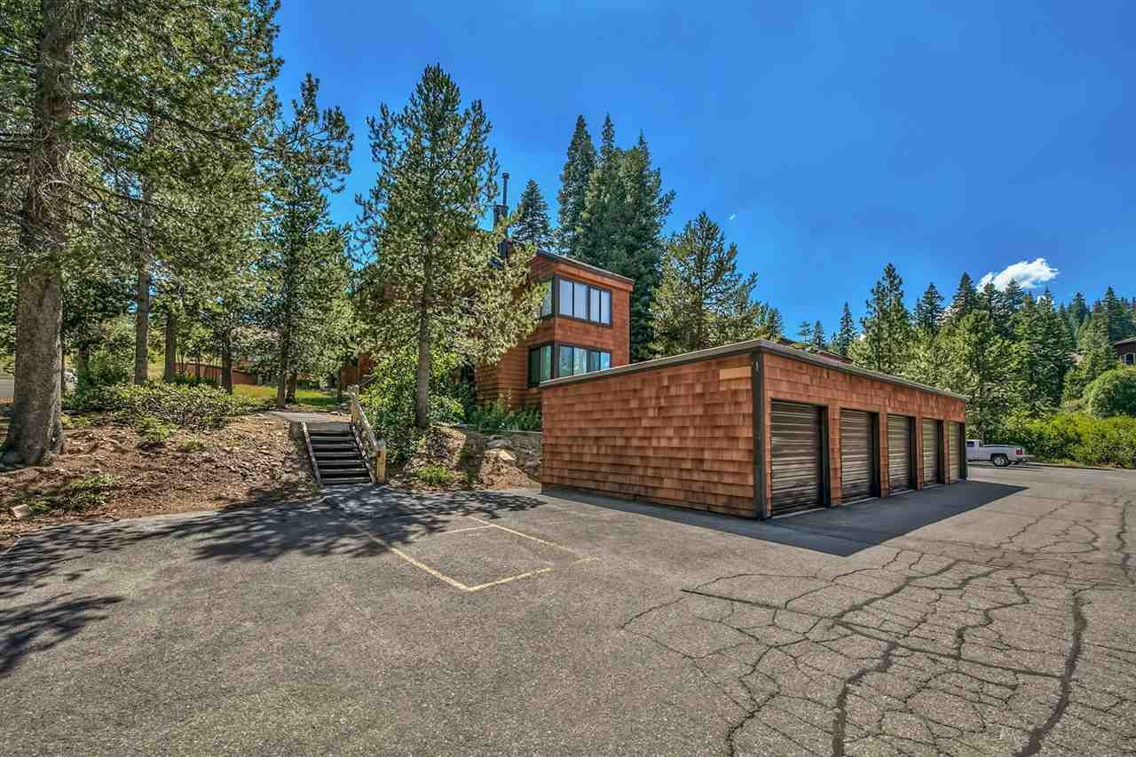 Additional photo for property listing at 11525 Snowpeak Way 11525 Snowpeak Way Truckee, California 96161 United States