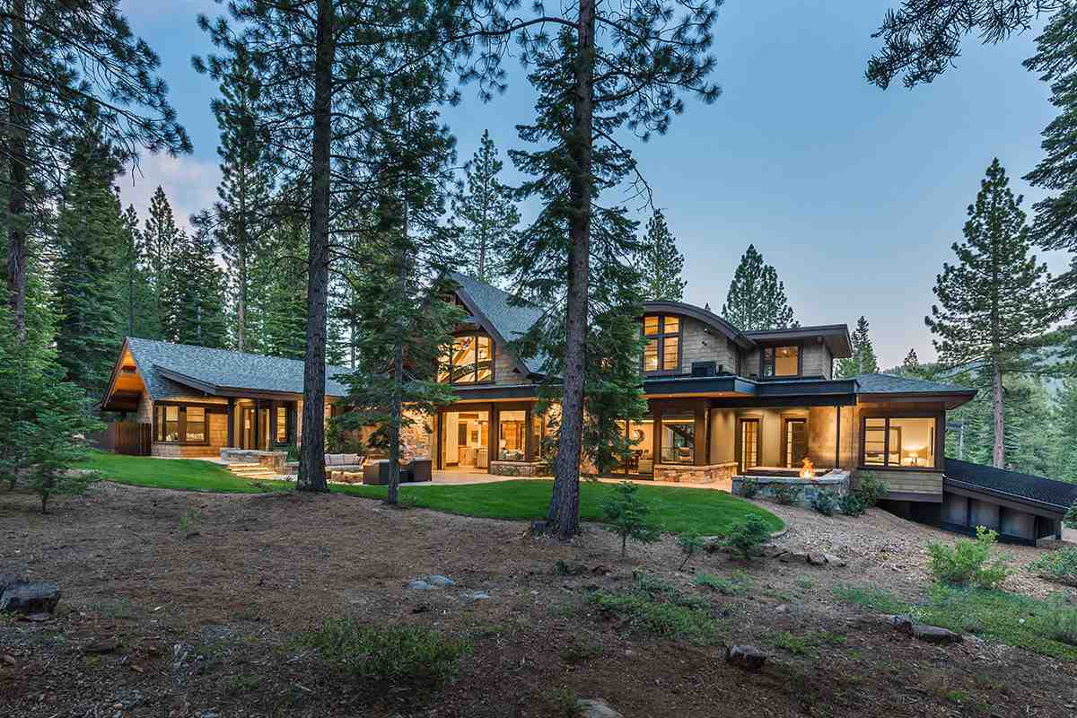 Single Family Home for Active at 10850 Holmgrove Court 10850 Holmgrove Court Truckee, California 96161 United States