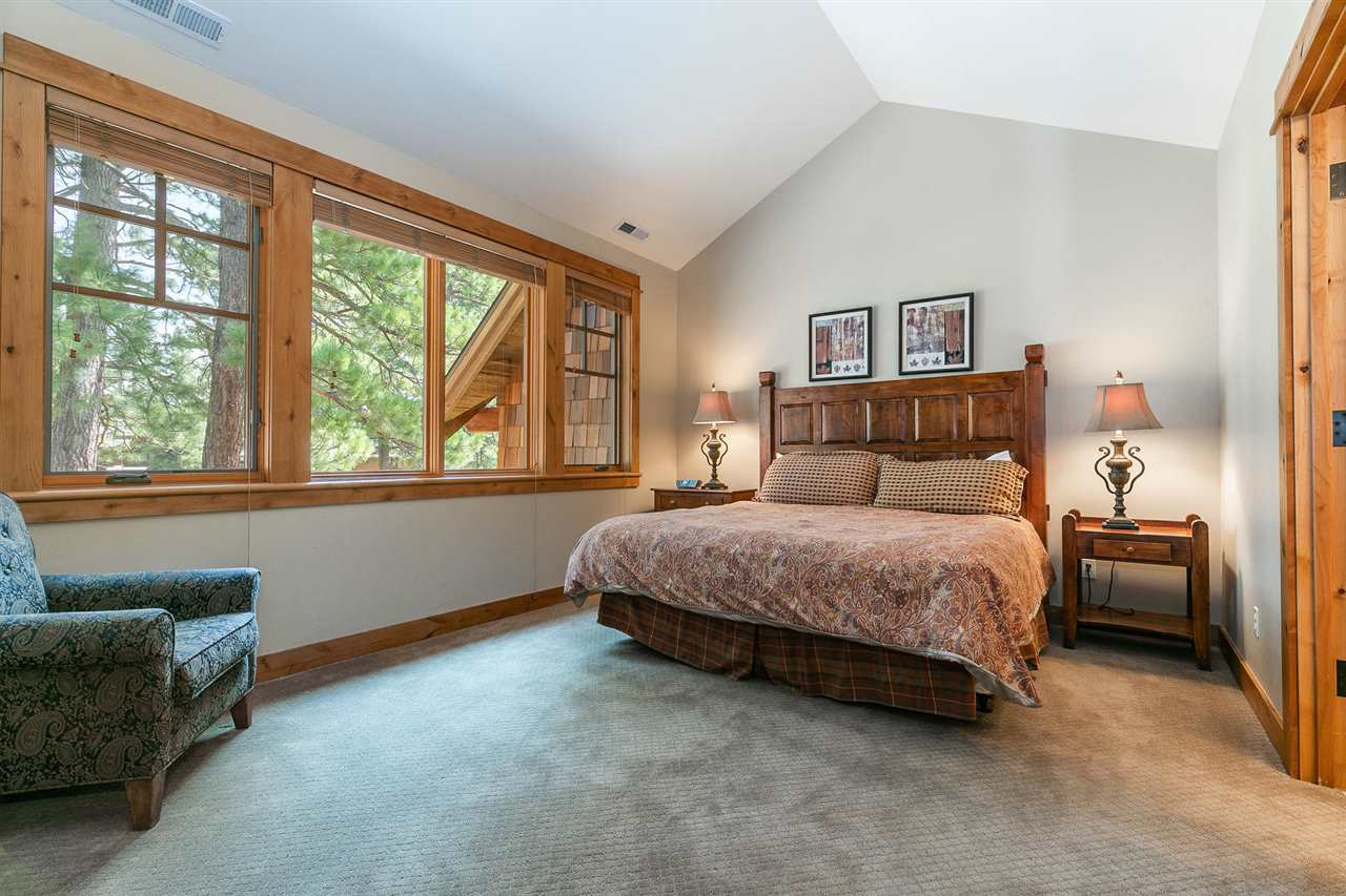 Additional photo for property listing at 13125 Fairway Drive 13125 Fairway Drive Truckee, California 96161 Estados Unidos