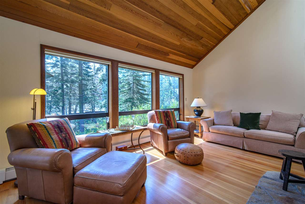 Additional photo for property listing at 2240 Bear Creek Drive 2240 Bear Creek Drive Tahoe City, California 96146 United States
