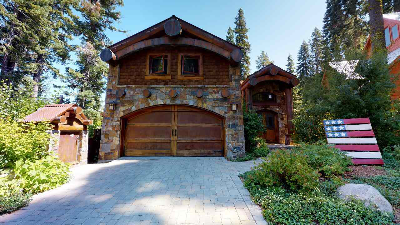 Single Family Home for Active at 15080 Point Drive 15080 Point Drive Truckee, California 96161 United States