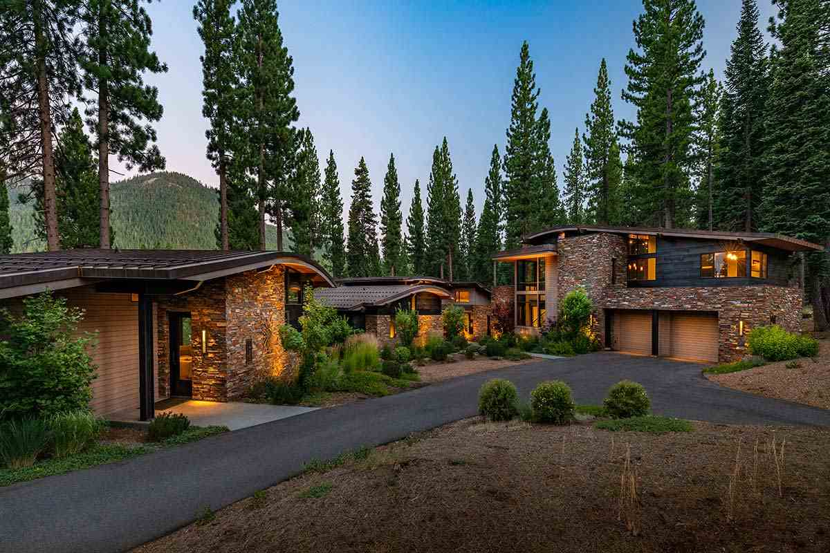 Single Family Homes por un Venta en 10500 Copelands Lane Truckee, California 96161 Estados Unidos