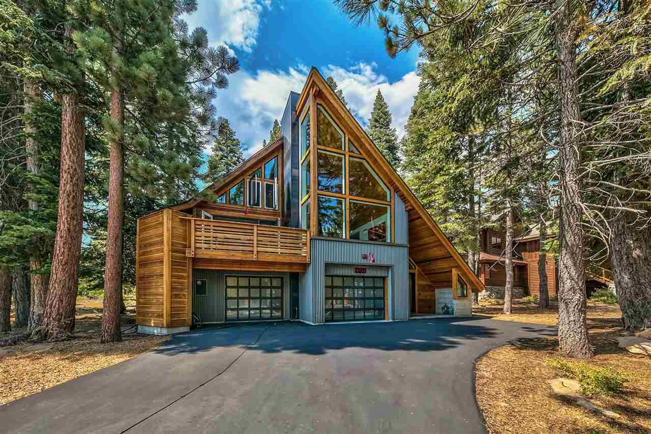 Single Family Homes for Active at 14732 Tyrol Road Truckee, California 96161 United States