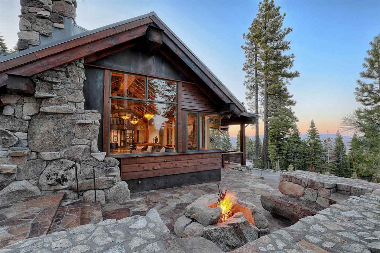 Single Family Homes for Active at 2515 N Summit Place Truckee, California 96161 United States