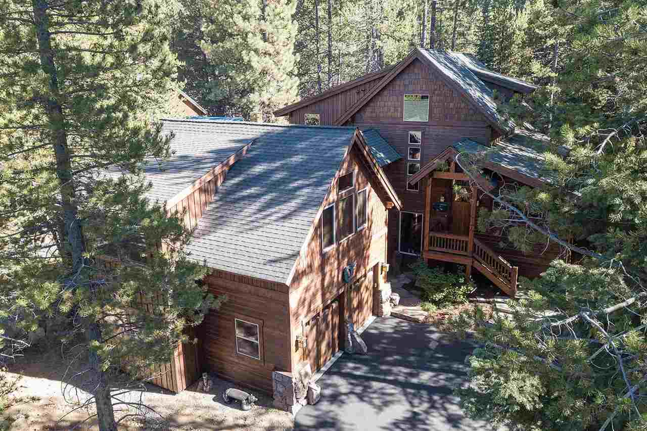 Single Family Home for Active at 14549 Davos Drive 14549 Davos Drive Truckee, California 96161 United States