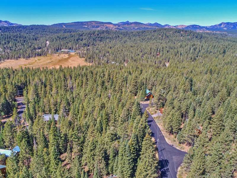 Additional photo for property listing at 11901 Sitzmark Way Truckee, California 96160 United States