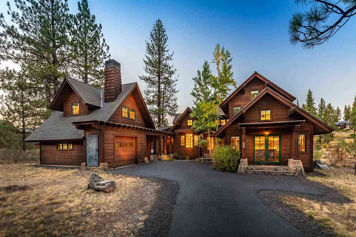 Single Family Home for Active at 158 Bob Sherman 158 Bob Sherman Truckee, California 96161 United States