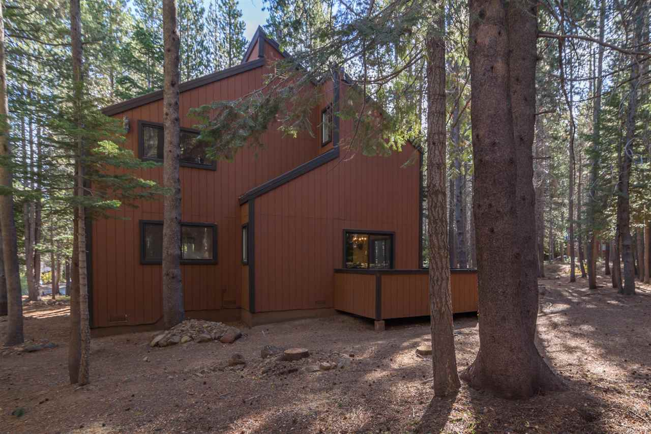 Single Family Home for Active at 14759 Davos Drive 14759 Davos Drive Truckee, California 96161 United States