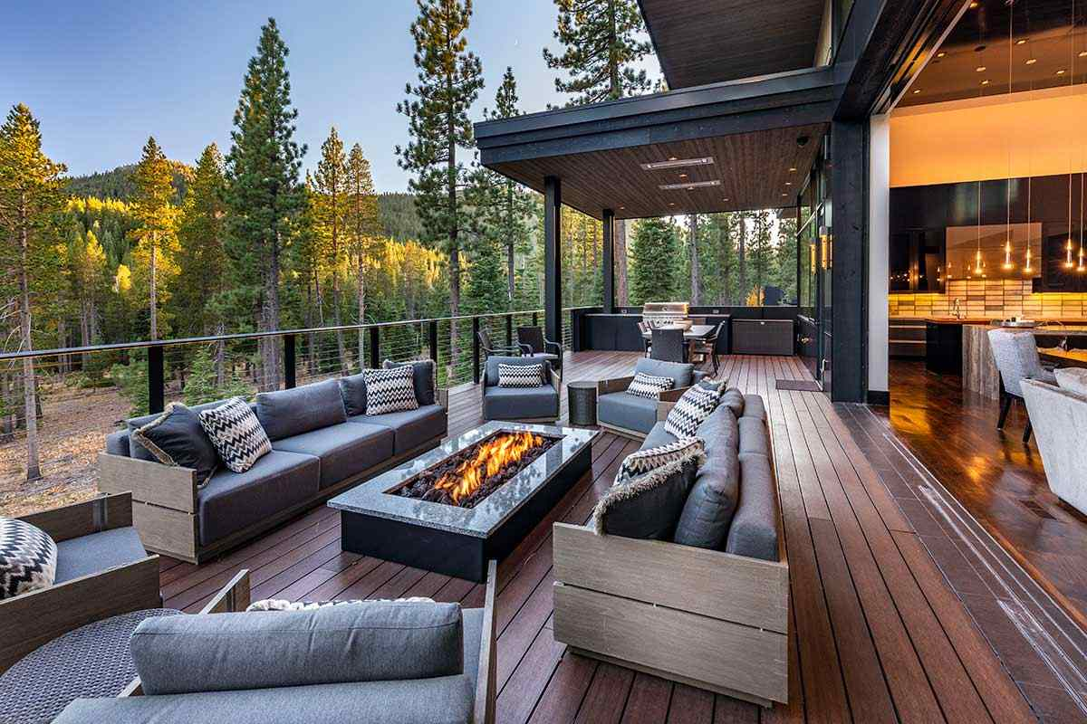 Additional photo for property listing at 10925 Wyntoon Court 10925 Wyntoon Court Truckee, California 96161 United States