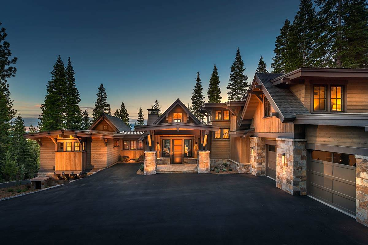 Single Family Homes for Active at 10835 Cairncroft Lane Truckee, California 96161 United States