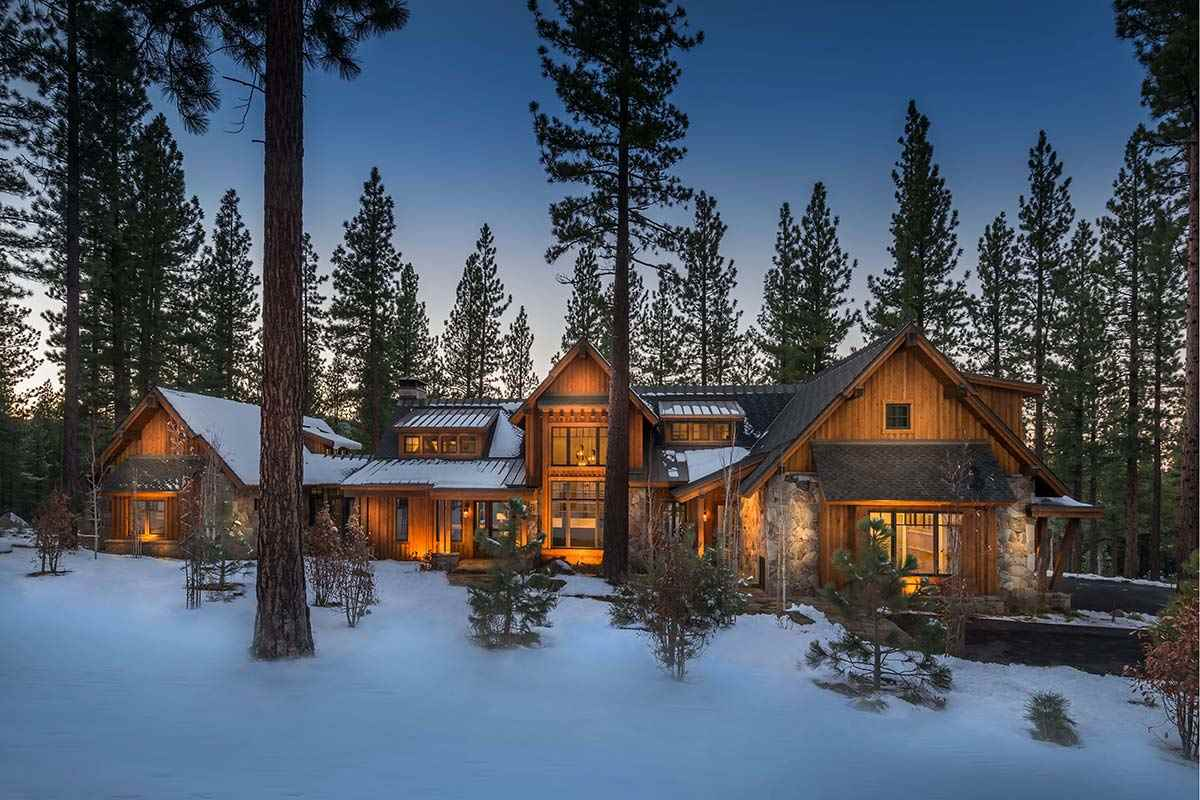 Single Family Home for Active at 9654 Dunsmuir Way 9654 Dunsmuir Way Truckee, California 96161 United States
