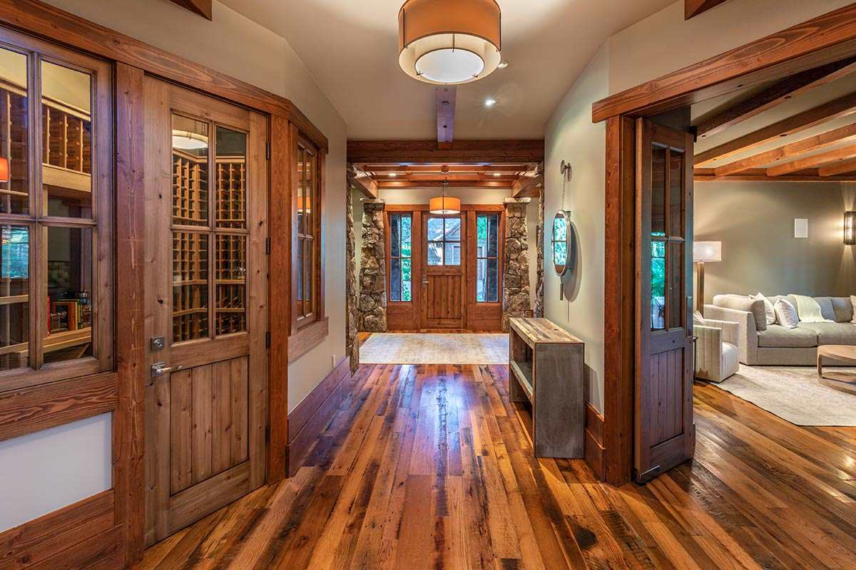 Additional photo for property listing at 8805 Belcourt Lane Truckee, California 96161 United States