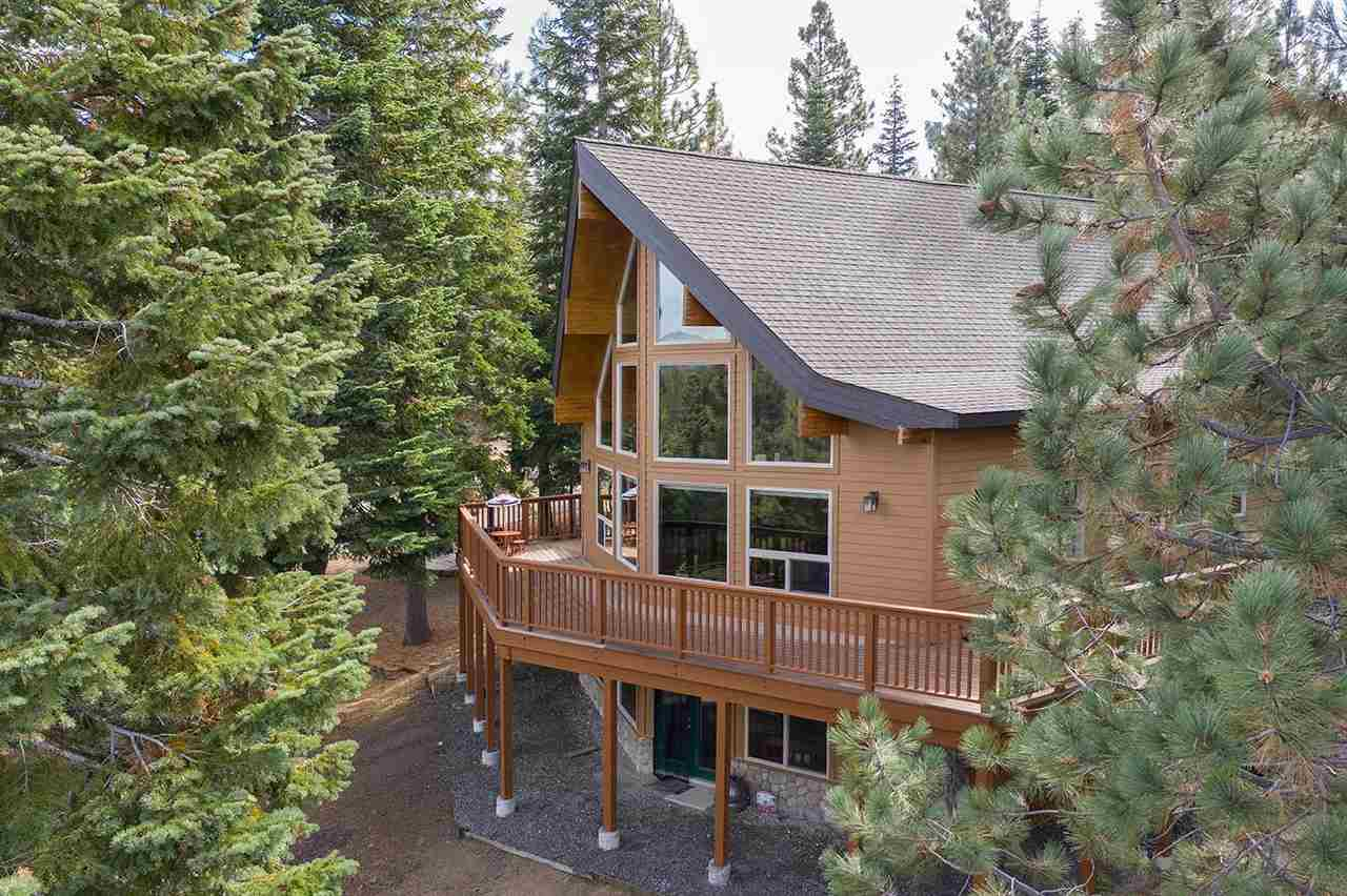 Single Family Home for Active at 7328 Marilyn Drive 7328 Marilyn Drive Lake Almanor, California 96122 United States