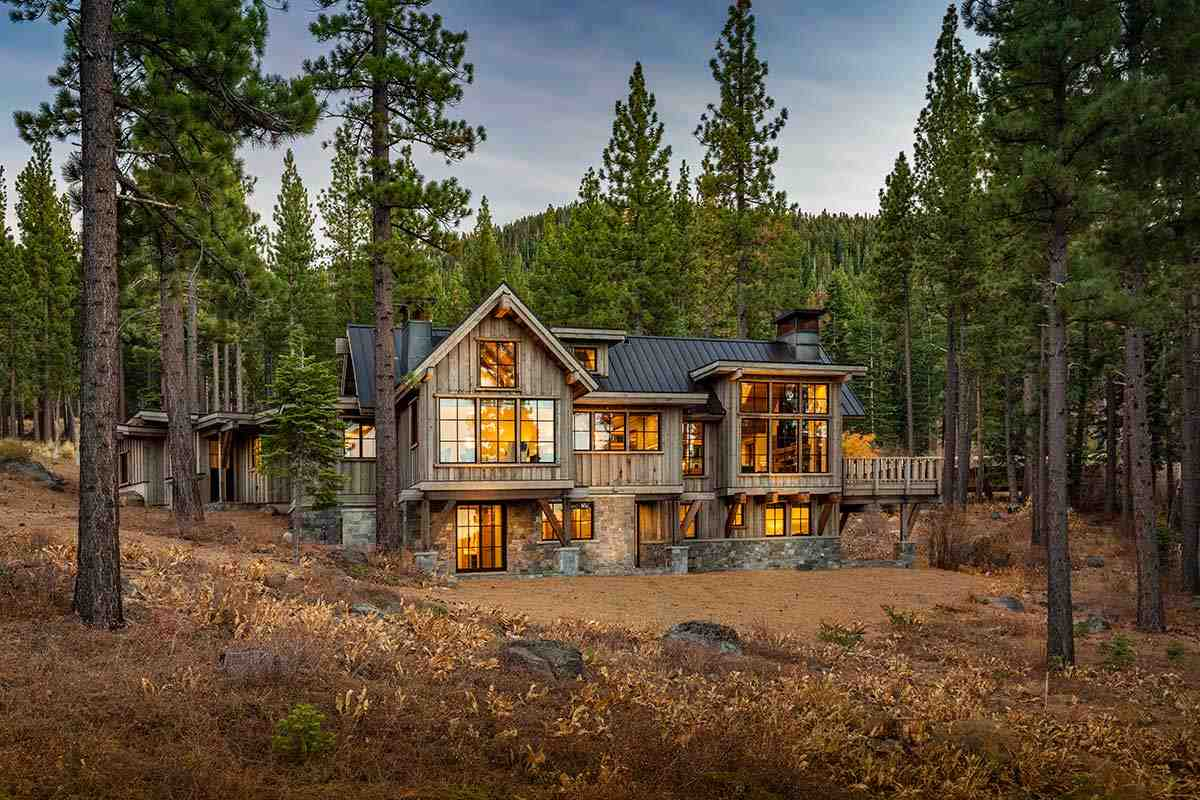 Single Family Home for Active at 8249 Ehrman Drive 8249 Ehrman Drive Truckee, California 96161 United States