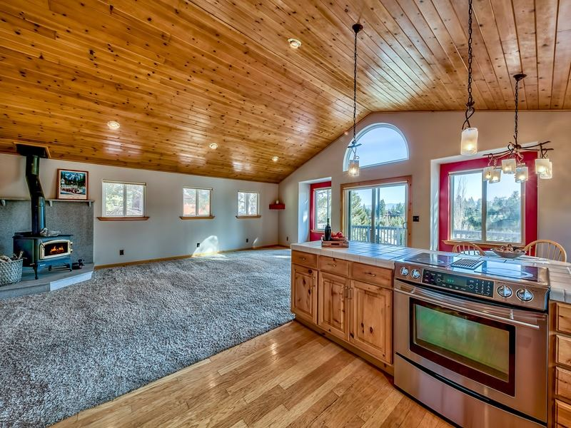 Additional photo for property listing at 14612 Alder Creek Road Truckee, California 96161 United States