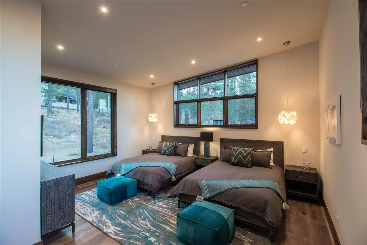 Additional photo for property listing at 8124 Villandry Drive Truckee, California 96161 Estados Unidos
