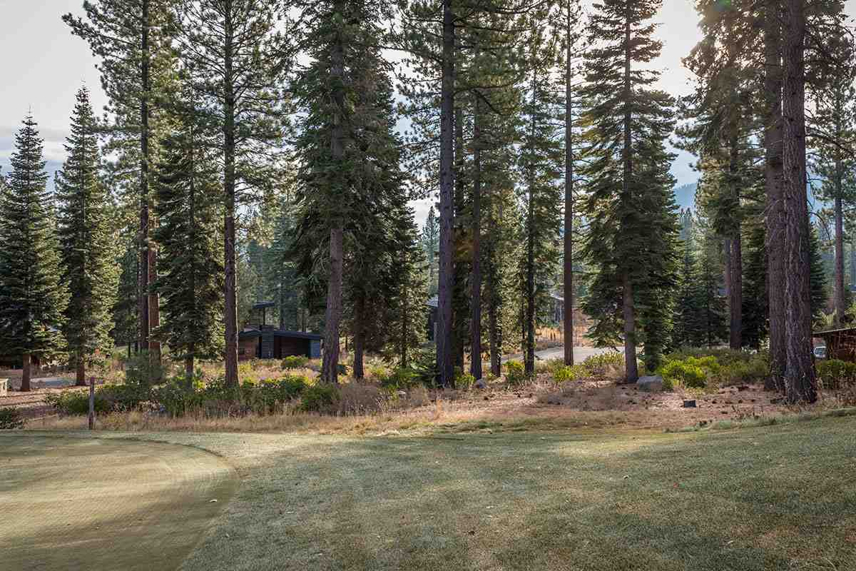 Additional photo for property listing at 8740 Breakers Court Truckee, California 96161 Estados Unidos