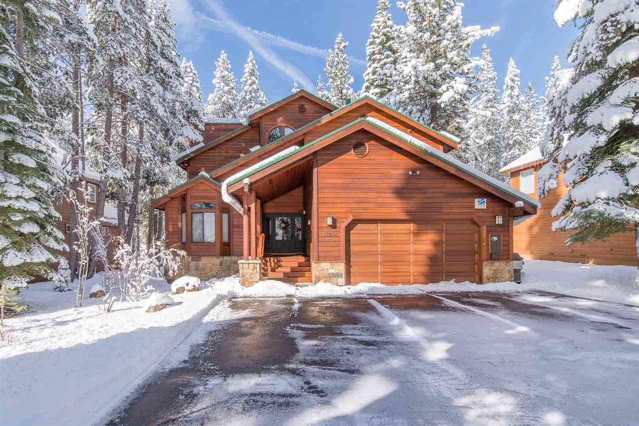 Single Family Home for Active at 12824 Ski View Loop 12824 Ski View Loop Truckee, California 96161 United States