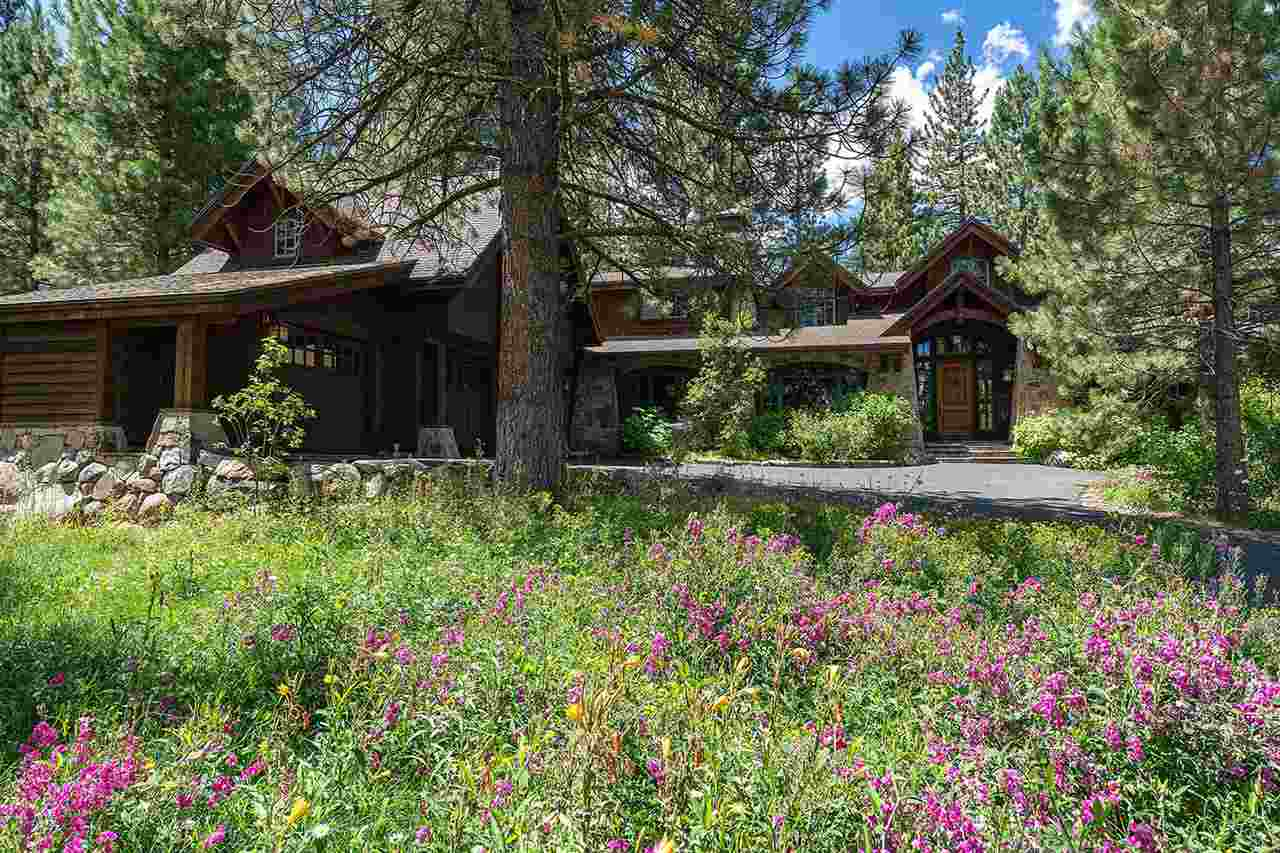 Single Family Homes por un Venta en 965 Paul Doyle Truckee, California 96161 Estados Unidos