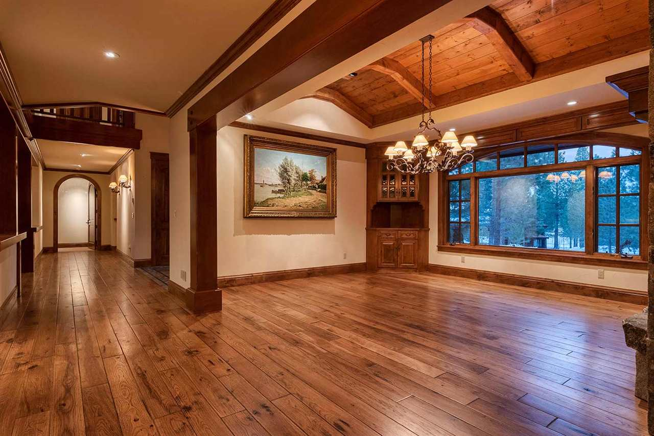 Additional photo for property listing at 965 Paul Doyle 965 Paul Doyle Truckee, California 96161 United States