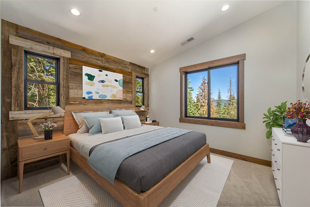 Additional photo for property listing at 12197 Skislope Way Truckee, California 96161 Estados Unidos