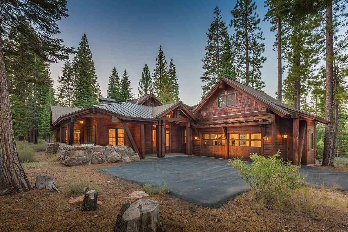 Single Family Home for Active at 320 David Frink 320 David Frink Truckee, California 96161 United States
