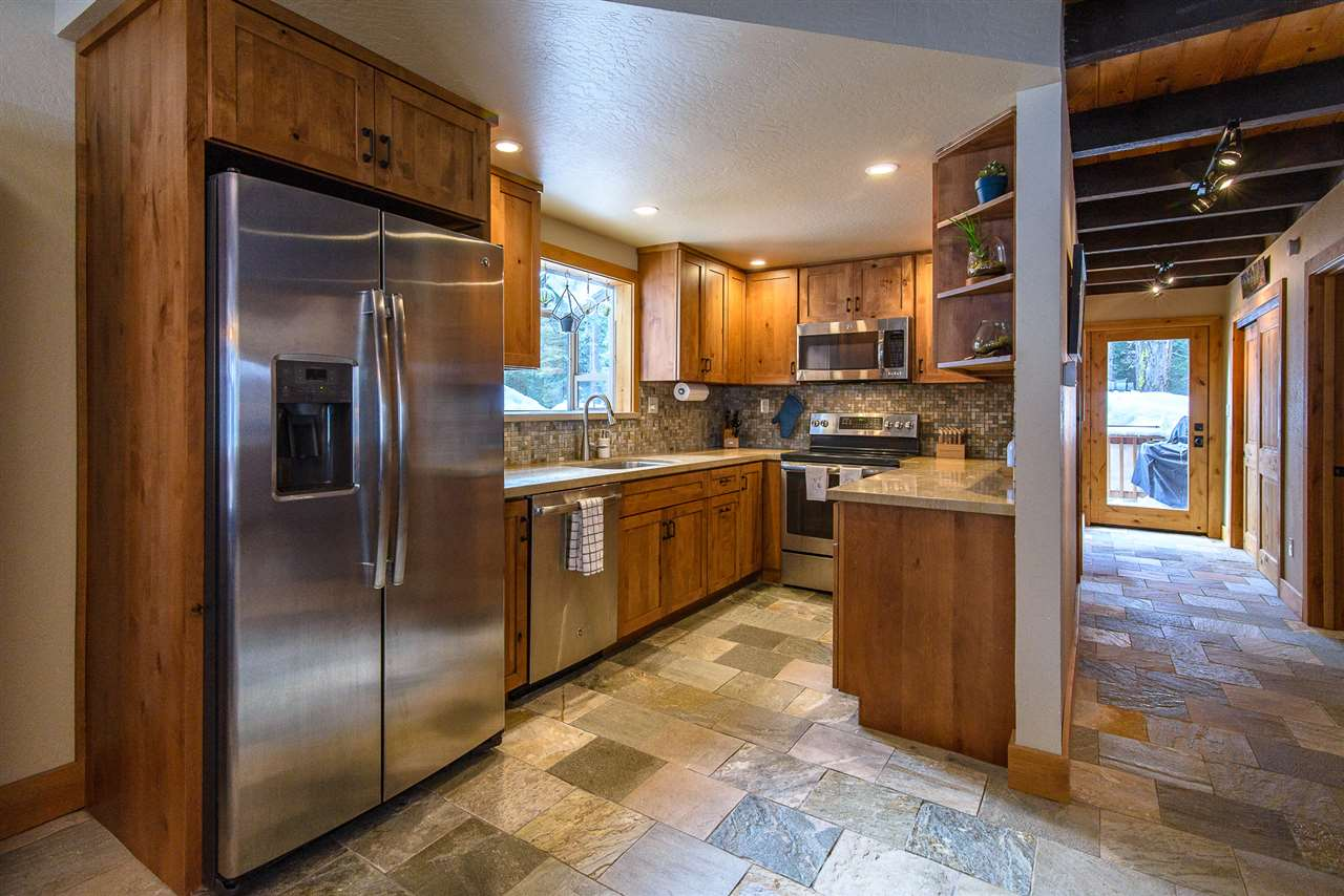 Single Family Home for Active at 375 North Ridge Drive 375 North Ridge Drive Tahoe City, California 96140 United States