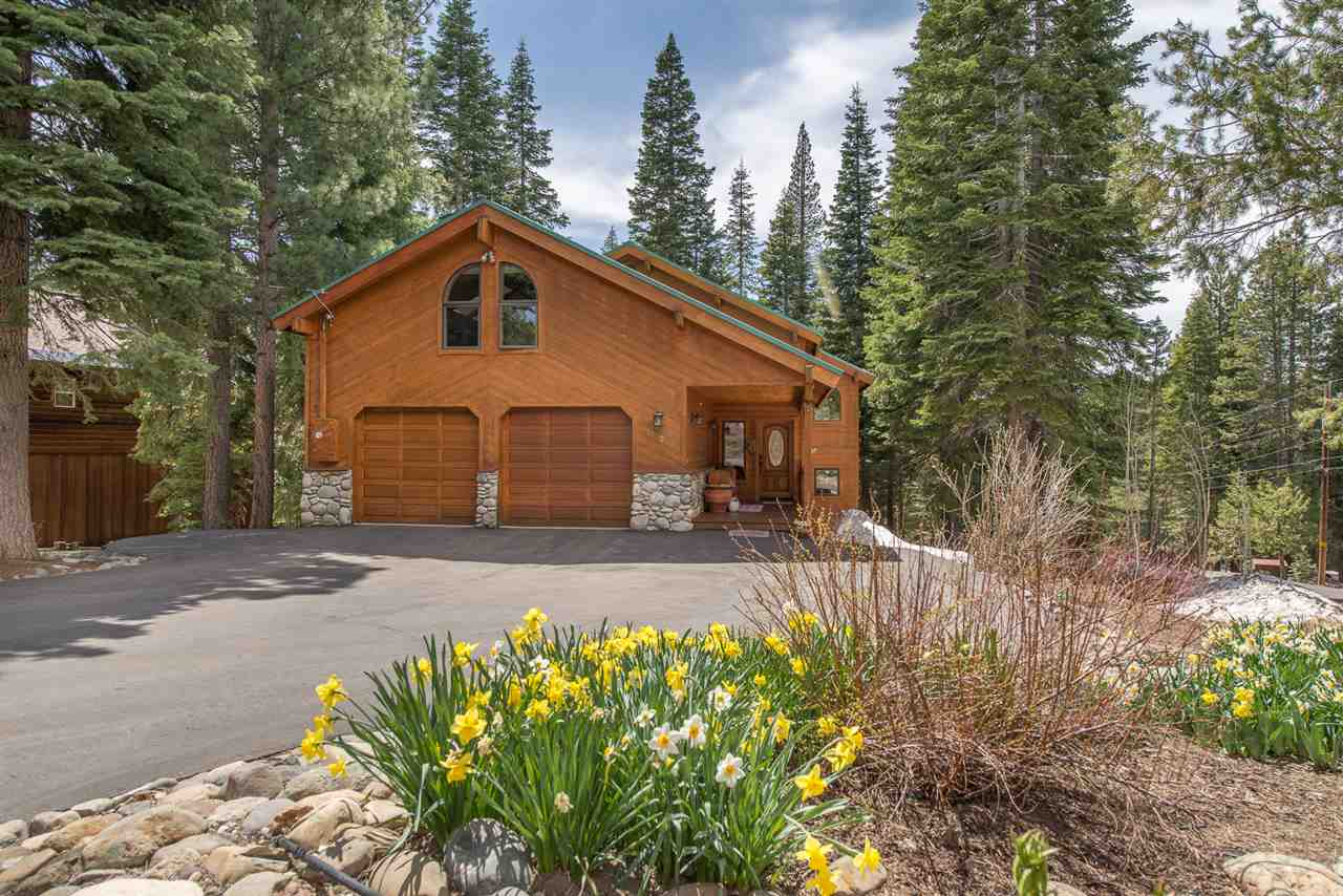 Single Family Homes for Active at 11772 Munich Drive Truckee, California 96161 United States