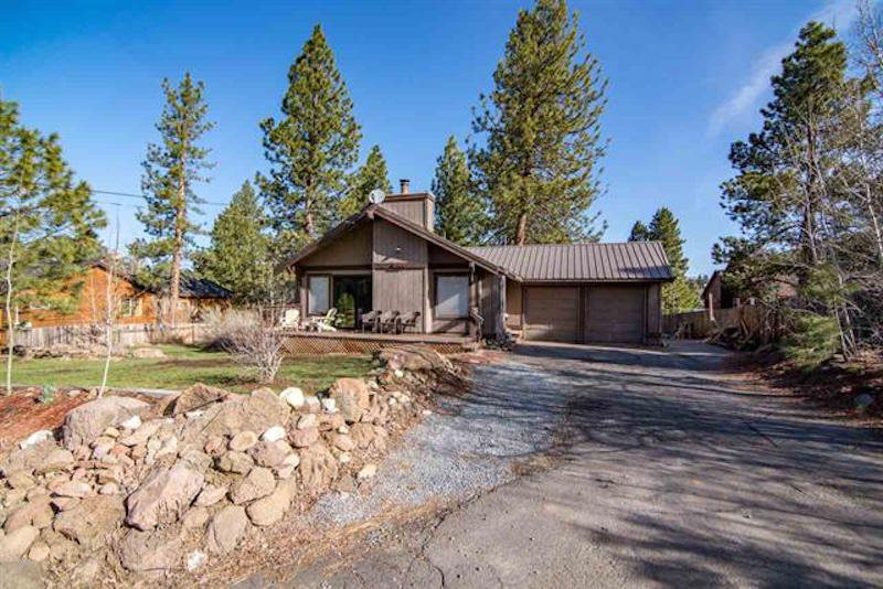 Single Family Home for Active at 16054 Wellington Way 16054 Wellington Way Truckee, California 96161 United States