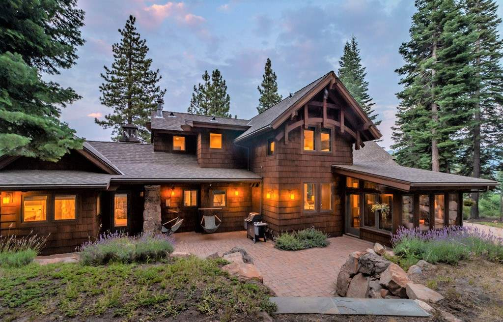 Single Family Homes por un Venta en 2208 Silver Fox Court Truckee, California 96161 Estados Unidos