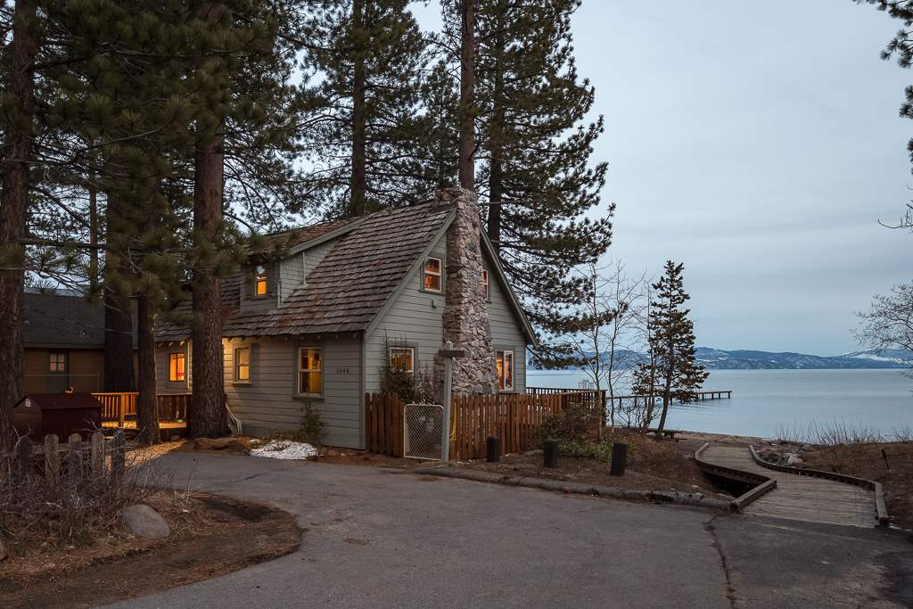 single family homes for Active at 7460 North Lake Boulevard South Lake Tahoe, California 96148 United States