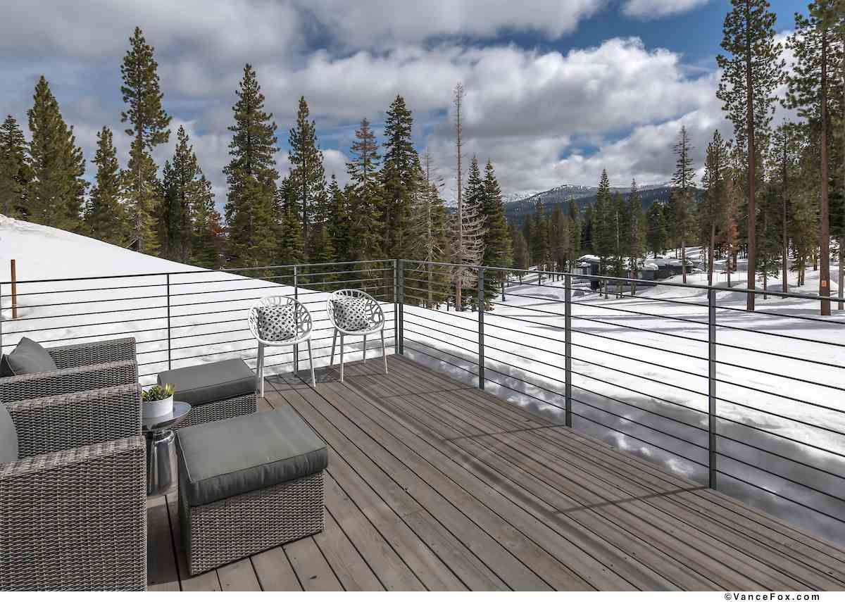 Additional photo for property listing at 15040 Peak View Place Truckee, California 96161 United States