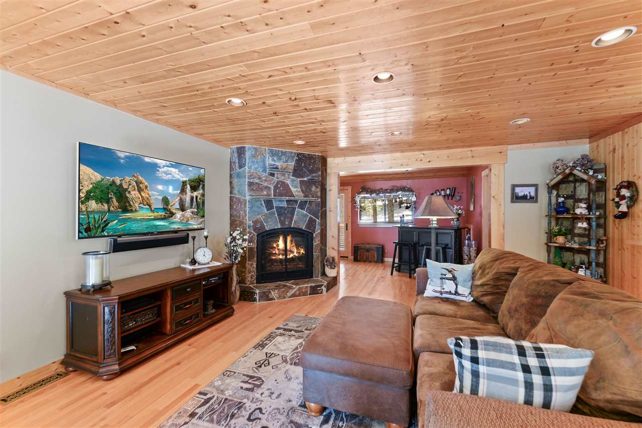 Single Family Home for Active at 935 Sky Way 935 Sky Way Tahoe City, California 96145 United States