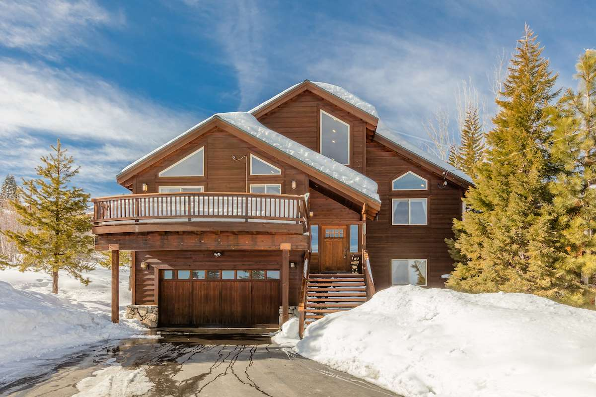 Single Family Home for Active at 14550 Wolfgang Road 14550 Wolfgang Road Truckee, California 96161 United States