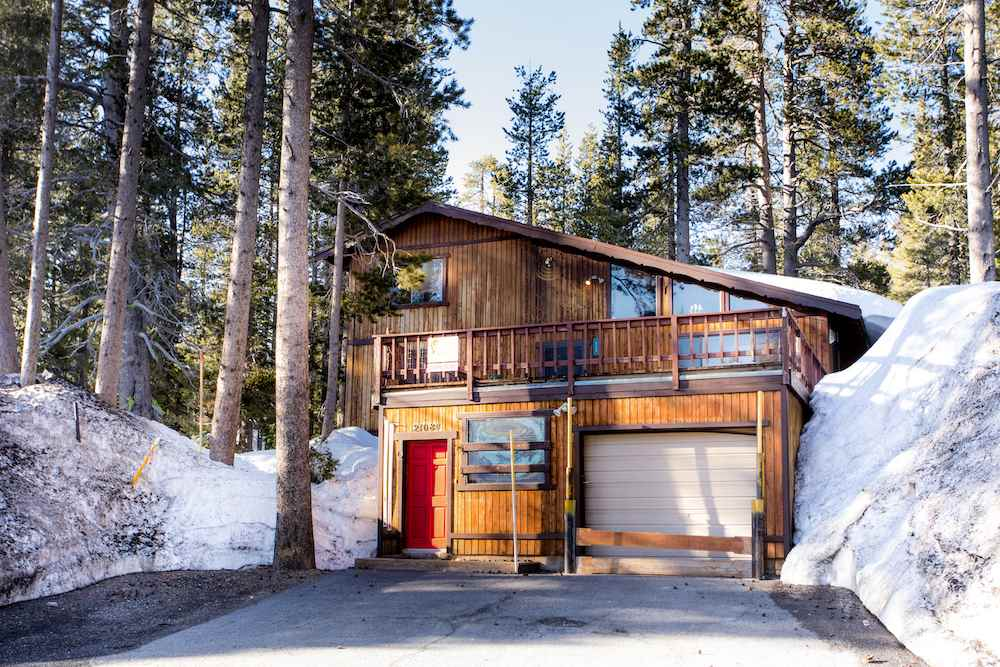 Single Family Home for Active at 21084 Donner Pass Road 21084 Donner Pass Road Truckee, California 95728 United States