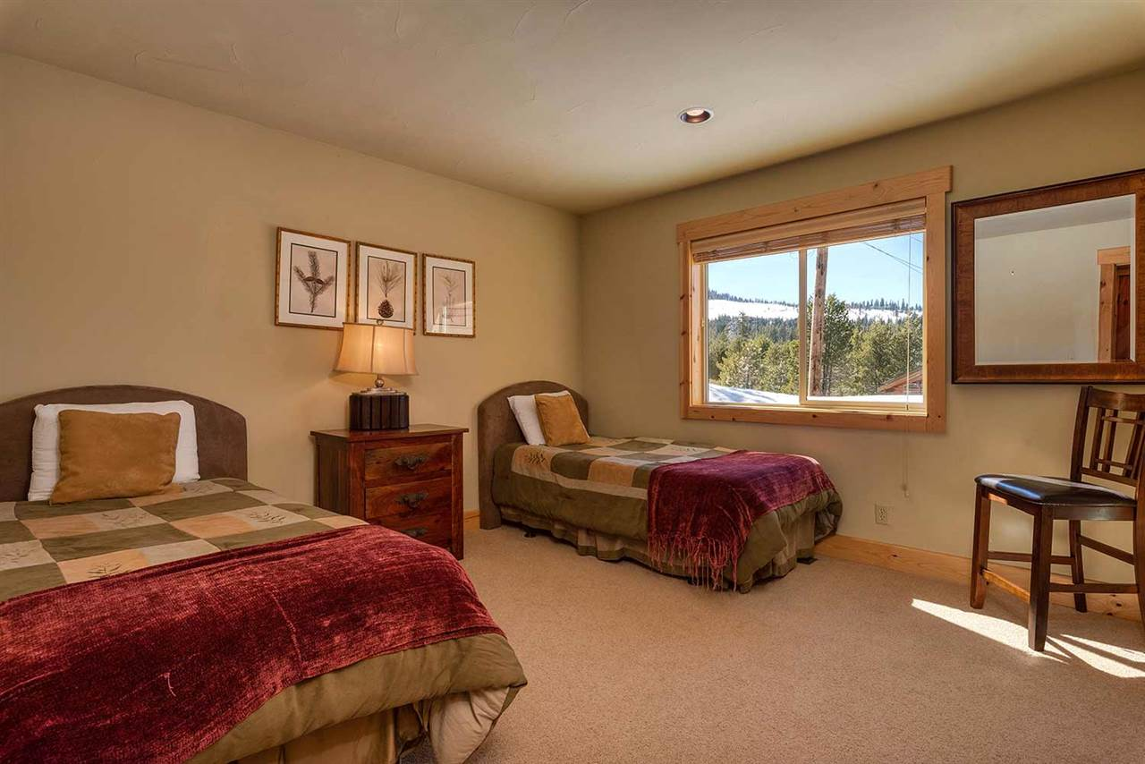 Additional photo for property listing at 14106 Northwoods Boulevard Truckee, California 96161 United States