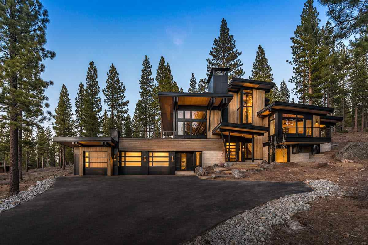 Single Family Home for Active at 8250 Ehrman Drive Truckee, California 96161 United States