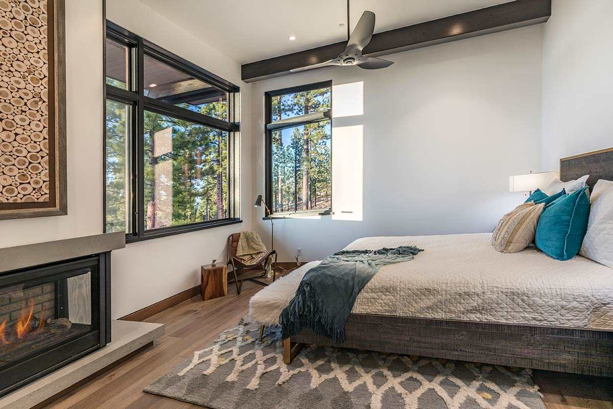 Additional photo for property listing at 8250 Ehrman Drive Truckee, California 96161 United States