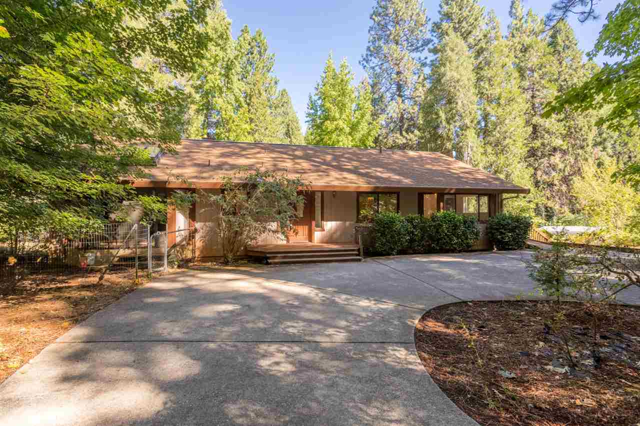 Single Family Homes por un Venta en 12825 Burma Road Grass Valley, California 95945 Estados Unidos