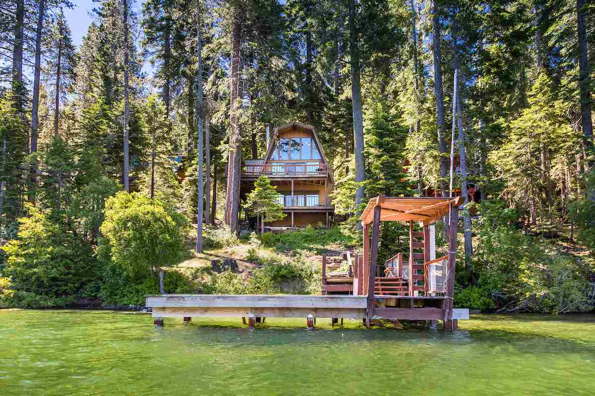 Single Family Homes por un Venta en 14348 South Shore Drive Truckee, California 96161 Estados Unidos