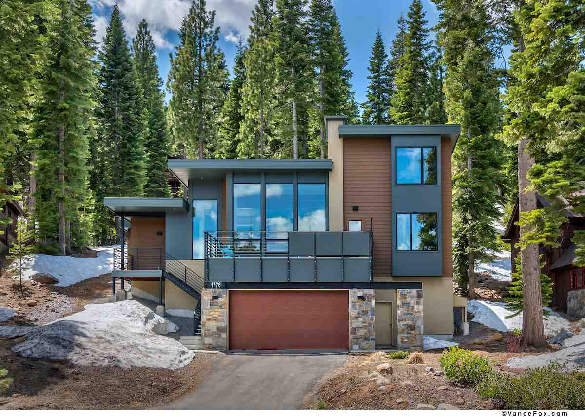 single family homes for Active at 1776 Grouse Ridge Road Truckee, California 96161 United States