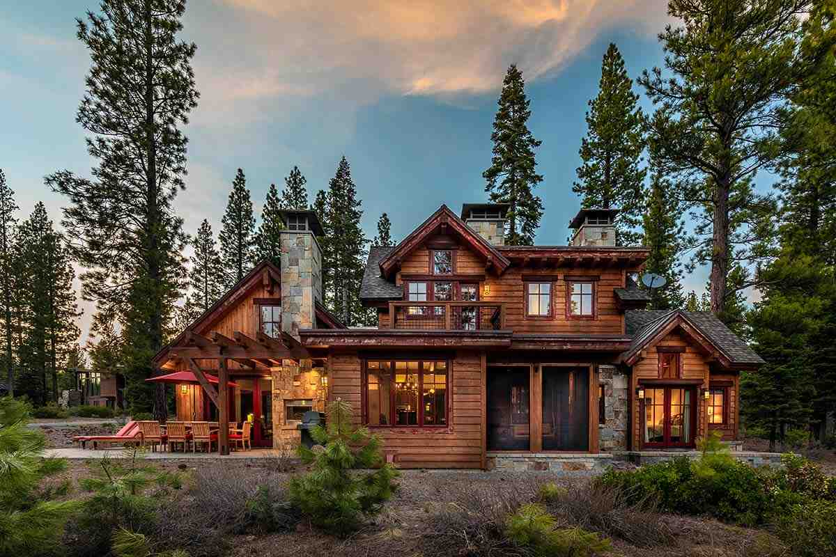 Single Family Home for Active at 10600 Dutton Court Truckee, California 96161 United States