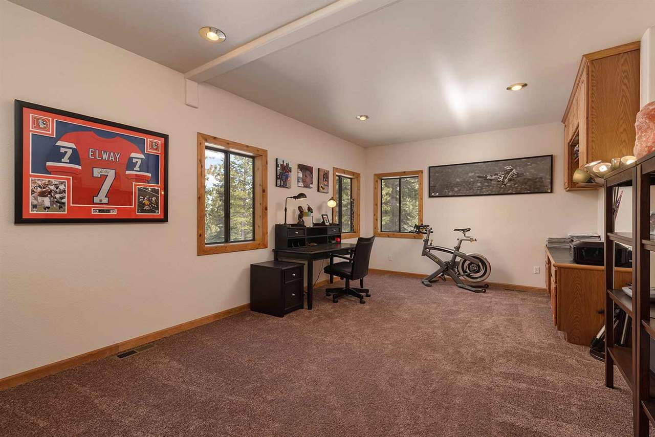Additional photo for property listing at 12251 Bear Meadows Court Truckee, California 96161 United States