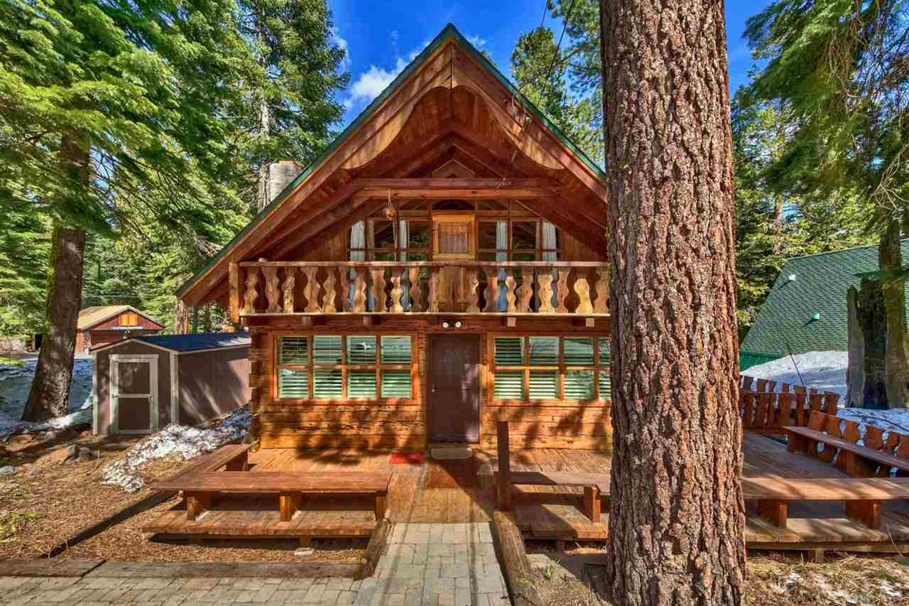 Single Family Homes por un Venta en 2625 Cedar Lane Tahoe City, California 96141 Estados Unidos
