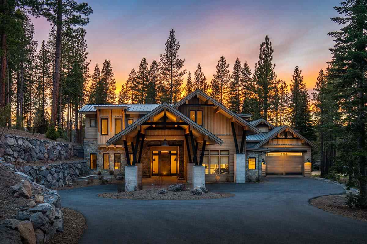 Single Family Home for Active at 8107 Villandry Drive Truckee, California 96161 United States
