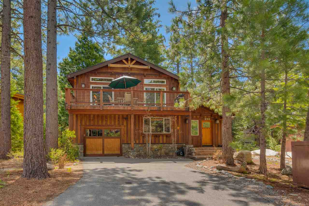 Single Family Homes por un Venta en 200 Observation Drive Tahoe City, California 96145 Estados Unidos