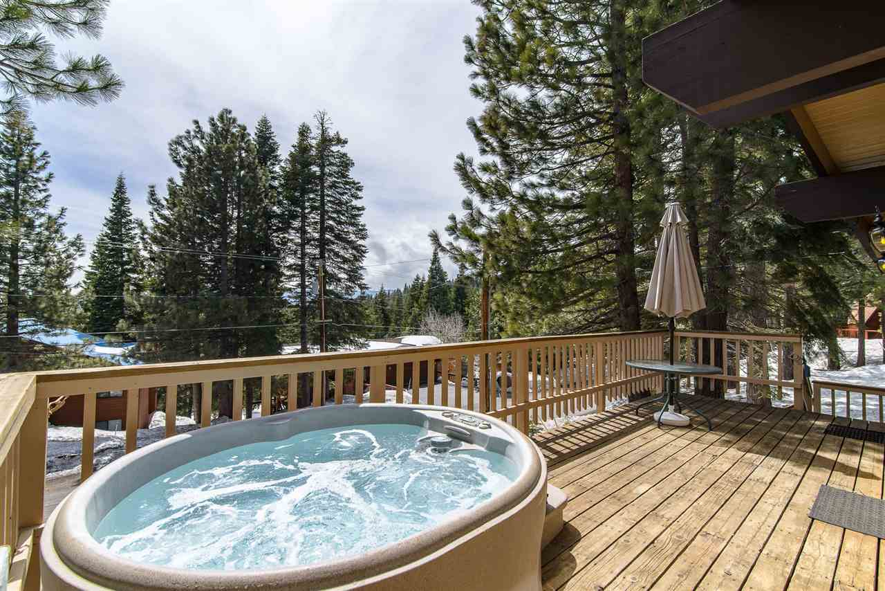 Additional photo for property listing at 12740 Falcon Point Place Truckee, California 96161 United States